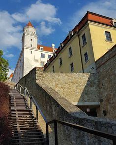 The Bratislava Castle  #bratislava #slovakia #castle #bratislavacastle #old #architecture #oldarchitecture #tower #stairs #bluesky #clouds #street #streetphotography #galaxys6