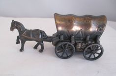 Made In China Metal Horse and Covered Wagon Desktop Pencil Sharpener