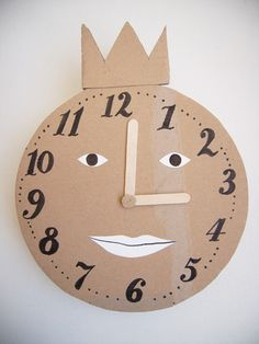 DIY Clock for Kids. Great educational activity for teaching children how to tell time. Kids Crafts, Projects For Kids, Diy For Kids, Craft Projects, Help Kids, Material Didático, Clock For Kids, Cardboard Toys, Cardboard Camera