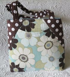 New Tote Bag - I really like the front pocket!  - Geta's Quilting Studio