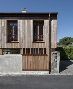 Wooden village house in Hermance, Switzerland. Ecological, made-to-measure, atelier built and assembled in one day. - Wooden architecture by Valentine Bärg Architectures Wooden Architecture, Construction, Village Houses, Design Agency, Ecology, Switzerland, Exterior, House Design, Building
