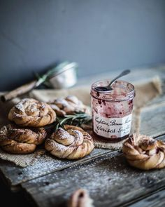 Baking photography mornings Ideas for 2019 Good Food, Yummy Food, Food Photography Tips, Coffee Photography, Food Styling, Food Art, Food Inspiration, Sweet Recipes, Food Blogs
