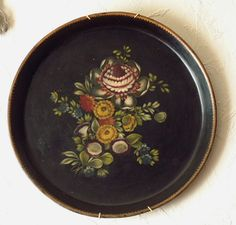2756- Toleware circular hand painted tray, German early 19th Century.fischer-antics.com