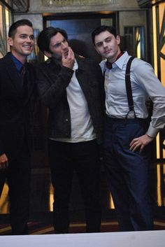 Matt Bomer, Wes Bentley, and Evan Peters from AHS: Hotel. All my babies! Matt Bomer, Ahs Actors, Chicas Punk Rock, American Horror Story Hotel, Ahs Hotel, Ahs Cast, Evan Peters, Matty Healy, Papi