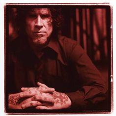 Queens Of The Stone Age confirma que Mark Lanegan cantará no próximo disco da banda:  http://rollingstone.com.br/noticia/queens-stone-age-confirma-que-mark-lanegan-cantara-no-proximo-disco-da-banda/