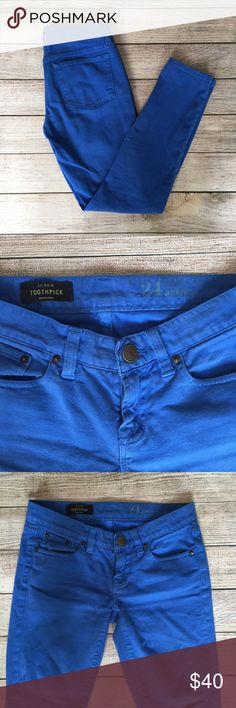 J. Crew Toothpick Jean in Garment-Dyed Twill Vibrant blue color. See photo for full details. Gently worn, still in great condition. 🚫NO TRADES/NO MODELING🚫✅BUNDLE TO SAVE✅ J. Crew Jeans Skinny
