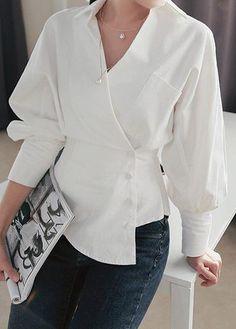 White Long Sleeve Asymmetric Hem Blouse Source by nimblefingerszone Trendy Tops For Women, Blouses For Women, Blouse Styles, Blouse Designs, Mode Outfits, Fashion Outfits, Fashion Clothes, Dress Fashion, Mode Ootd