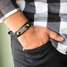 Ajusta Unisex /'Skull /& Crossbones/' Neon Yellow Leather Friendship Bracelet