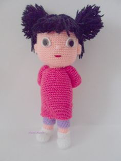 El blog de Noe - Aguja, lana y tijeras: cambio de look Una niña amigurumi