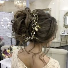 Wedding hair class by @elstilela - 1 day 6 hours $300 - email us to book 💻 elstilela@gmail.com ✨ @elstile @elstilespb 💕 💻 hair ONLINE classes ELSTILESHOP.com 💗 BOOKING 👇🏻  •  📞 +1 626.319.9000  text  💻ELSTILE.com ❗️ hair + makeup starting at $250 email us for more information •  ❗️ classes starting at $300:  1 day 6 hours class $300  5 days course 30 hours $1000  Email us for available dates   #elstile #эльстиль 🏡 Pasadena, California