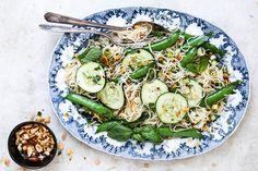 Crunchy Cold Noodle Salad | Floating Kitchen Crunchy Noodle Salad, Cold Noodles, Gluten Free Rice, Cold Meals, Fresh Herbs, Vegan Recipes, Vegan Food, Good Food, Easy Meals