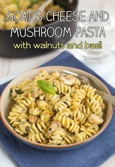 Creamy goat's cheese and mushroom pasta with walnuts and basil. The walnuts add such a beautiful crunch - it's great against the creamy sauce! A brilliant quick and easy vegetarian dinner. Easy Vegetarian Dinner, Vegetarian Recipes Easy, Healthy Dinner Recipes, Vegetarian Italian, Vegetarian Entrees, Goat Cheese Pasta, Goat Cheese Recipes, Yummy Pasta Recipes, Quick Recipes