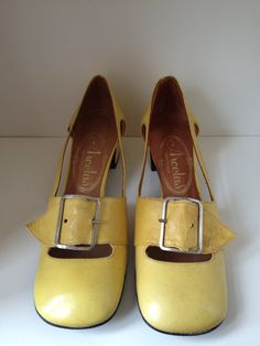 Vintage Yellow 60s mod Leather shoes EU355 US5 by FoalsandMuffin, €30.00