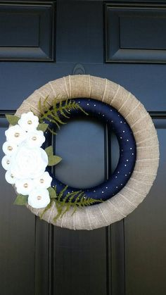 Spring Wreath // Double Wrapped Wreath // Burlap // Navy Blue // Gold // Felt Flowers // home decor decor blue gold Your place to buy and sell all things handmade Pool Noodle Christmas Wreath, Pool Noodle Wreath, Christmas Ornament Wreath, Christmas Door, Felt Wreath, Wreath Crafts, Diy Wreath, Burlap Wreath, White Wreath