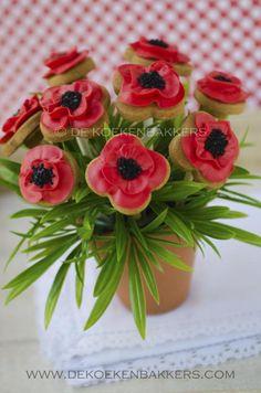 http://www.dekoekenbakkers.com/modules/photo_album/uploads/large/poppy-cookie-bouquet-3.jpg