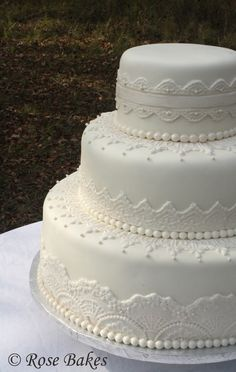 Kristen Lace Wedding Cake
