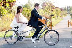 Sobre dos ruedas: bicicletas en las bodas www.webnovias.com/blog