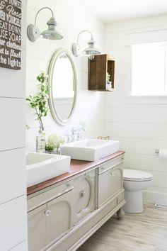 A Farmhouse Style Bathroom