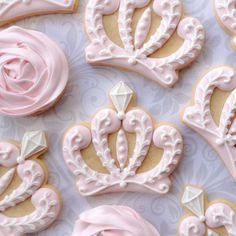 Pink cookies for a little princess. #crowncookies #princesscookies #thesweetesttiers #flowercookies #torontodecoratedcookies #etsycookies #cookiesofinstagram #customdecoratedcookies #cookiesintoronto by thesweetesttiers