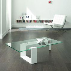 Plinsky Glass Coffee Table by Tonelli and designed by Giulio Mancini. The Plinsky glass coffee table is fabricated from extra strong toughened glass curiously suspended in location by a metal frame. Coffe Table, Coffee Table Design, Modern Coffee Tables, Dining Table, Design Furniture, Furniture Decor, Office Furniture, Design Tisch, Glass Table