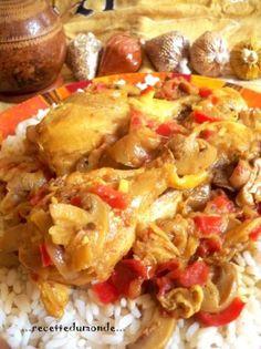 Dans la cocotte versez un filet d'huile et laissez dorer les pilons de poulet sur chaque faces,puis ajoutez les oignons émincés, l'ail haché et les champignons en lamelles . ( j'utilise des champignons en boîte mais frai s'est mieux ! )Laissez mijoter 5 minutes puis ajoutez les tomates concassées et les poivrons en ...