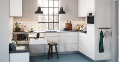 build-in seating in the kitchen Kitchen Dinning, New Kitchen, Compact Kitchen, Danish Kitchen, Small Appartment, High Gloss Kitchen, Style Loft, Cuisines Design, Kitchen Interior