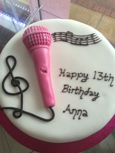 Music microphone cake