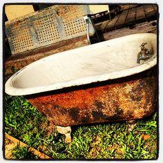 Bathtub Vintage Antique IMG_7671