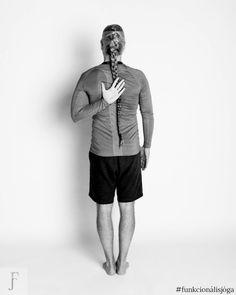 funkcionális jóga gyakorlat vállfájásra befagyott váll vállgyakorlat vállfájdalom 3 Sporty, Style, Fashion, Swag, Moda, Fashion Styles, Fashion Illustrations, Outfits