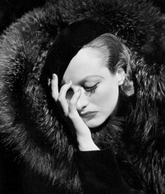 Iconic photo of Joan Crawford by George Hurrell, 1930s