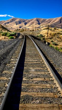 Railroad tracks above the Old Moody Road on the west side of Oregon's Deschutes River Train Tunnel, Old Steam Train, Railroad Photography, Photo Background Images, Train Pictures, Ferrat, Train Tracks, Best Places To Travel, Landscape Photographers