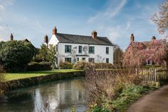 This luxury riverside home is a wonderland of vintage charm. Ring the old pull-string bell and push open the door to botanic coving, four-poster beds, an orangery with giant tin hot tub and secret topiary gardens. Croft Castle, Riverside House, Topiary Garden, Most Romantic Places, Beautiful Dining Rooms, Cinema Room, Herefordshire, Unique Gardens, Rose Cottage
