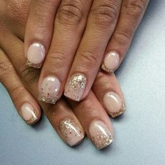 nuetral nails | Ombré glitter with ring finger ombré going the opposite direction