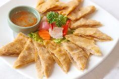 """Crispy Thai Shrimp Pancake or """"Koong Ka-Beung """" The nature of this dish is crispy outside and soft inside. Favorite menu of snacks. Thai Shrimp, Thai Dishes, Thai Recipes, Chinese Food, Banquet, Spicy, Tiles, Menu, Tasty"""