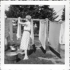 please excuse my current obsession with vintage laundry