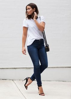 sara donaldson look t-shirt skinny jeans