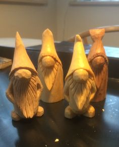 Simple Wood Carving, Wood Carving Faces, Wood Carving Designs, Wood Carving Tools, Wood Carving Patterns, Whittling Patterns, Whittling Projects, Whittling Wood, Wood Carving For Beginners