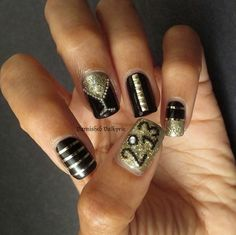 31 Snazzy New Year S Eve Nail Designs Stayglam Beauty Pinterest