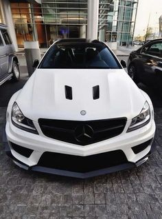 Tuning hood Vents Air Duct AMG c63 style  http://www.ebay.com/itm/282271042059  Zdjęcie: