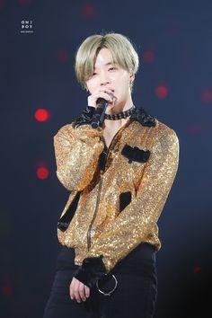 Youre shining brightly even through the pain jinhwan kimjinhwan jay jayikon ikonjay ikon ikonic ikonics Ikon Debut, Kim Hanbin, Kim Jin, Yg Entertainment, Mix Match, Handsome, Kpop, Celebrities, Image