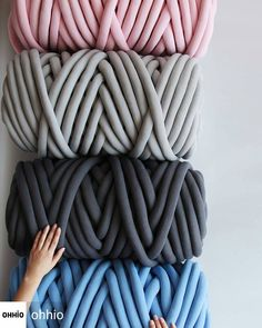 Se eu tivesse esse material não usaria, ficaria dias somente olhando! 😍 @Regrann from @ohhio - Big bundles of Braid are here! Buy our chunky vegan knitting material in bulk and get a big discount. Up to 20% off for 4 skeins! Go to our site to shop. Link is in the bio. - #regrann