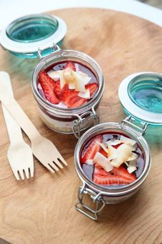 Sharyn loves using our glass storage jars for a range of weird and wonderful uses! Turn up to a friends BBQ or picnic with ready-to-go desserts. Check out the huge range of colours and sizes online: http://farm.rs/13BSQYH