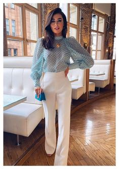 Classy Outfits, Chic Outfits, Spring Outfits, Fashion Outfits, Glamorous Outfits, Grunge Outfits, Blue Blouse Outfit, Dressy Pants Outfit, Floral Shirt Outfit
