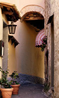 Un angolino rosa, Gandria, Ticino