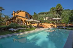 Stunning private villas in Tuscany #luxury #villas #tuscany #italy #travel