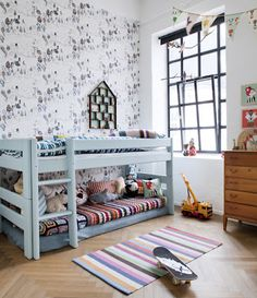 In love with these bunks....look easy to create