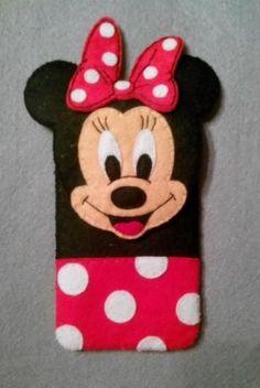 Felt Phone Cases, Felt Case, Diy Phone Case, Pochette Diy, Toddler Bag, Felt Crafts Patterns, Felt Mobile, Kits For Kids, Disney Crafts