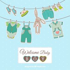 Cartão do bebé com roupas penduradas Vetor grátis