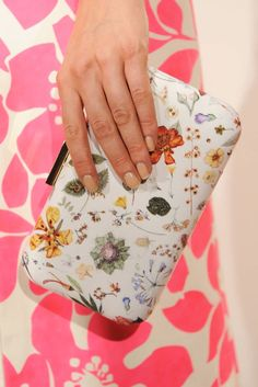 Crew floral clutch at New York Fashion Week Spring 2013 Plaid Fashion, Green Fashion, Fashion Bags, Fashion Accessories, Womens Fashion, Cool Girl Style, My Style, Summer Bags, Spring Bags