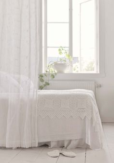 Pleasant shabby chic bedding sets go to website White Cottage, White Farmhouse, Rose Cottage, Shabby Chic Bedrooms, Shabby Chic Homes, Little White House, White Rooms, White Bedroom, Cozy Bed